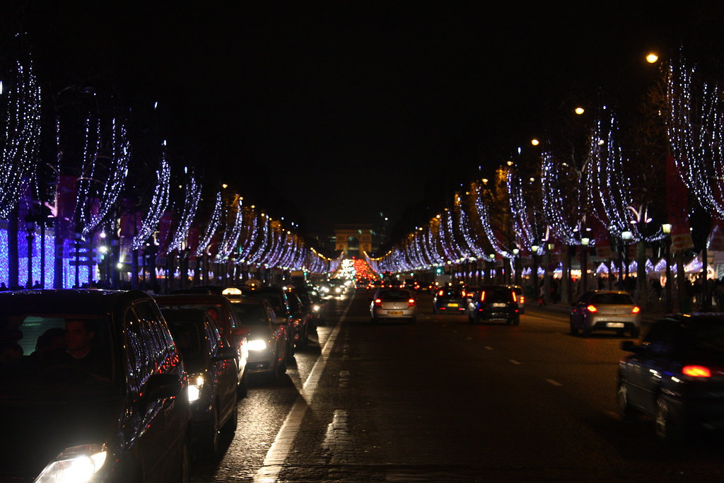 champs elysee at night during christmas time
