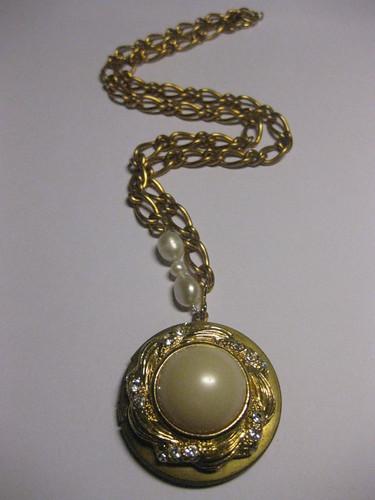 Pearl in love locket