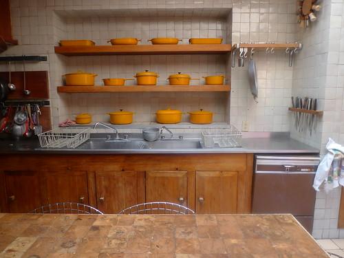 Luis Barragan's Casa Eduardo Prieto Lopez  - kitchen