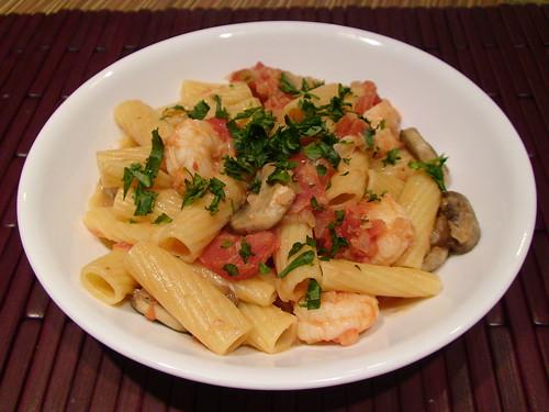 5/11/11 rigatoni with shrimp and mushroom vodka cream sauce