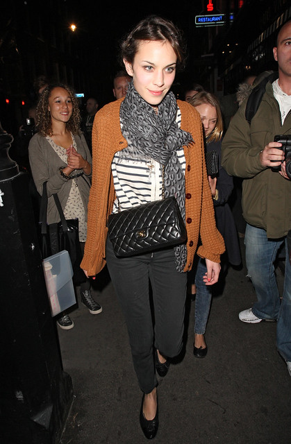 Preppie_-_Alexa_Chung_at_Quo_Vadis_restaurant_in_London_-_September_24_2009_319