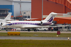 OE-INC - 9168 - Global Jet Concept - Bombardier BD-700-1A11 Global 5000 - Luton - 091028 - Steven Gray - IMG_2946