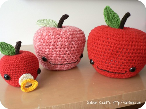 A trio of crochet apples