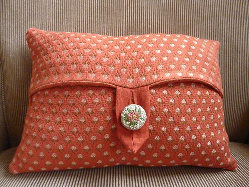 """Maja pillow • <a style=""""font-size:0.8em;"""" href=""""http://www.flickr.com/photos/35733879@N02/4200532058/"""" target=""""_blank"""">View on Flickr</a>"""