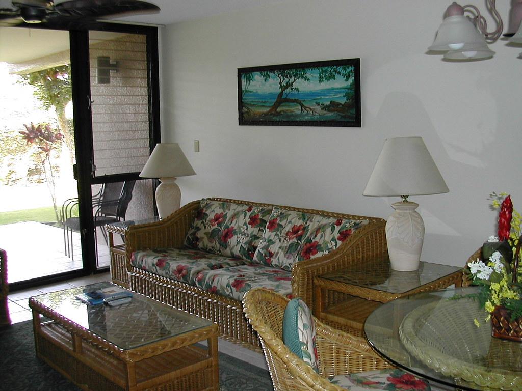 Kamaole Sands 4-104 Living Area