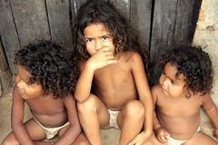 Realidade Cruel³ (Sionelly Leite) Tags: brasil al criança crianças pretoebranco peb nordeste pobreza alagoas lixão fotojornalismo arapiraca realidadesocial cidadesnordestinas diaadiabrasileiro sionelly realidadecruel