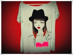 (Trendy W) Tags: red colors girl hat fashion illustration pen ink drawing tshirt trendy colored draw clothe trendyendy trendyw