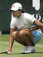 Seon Hwa Lee (arguss1) Tags: golf legs upskirt hottie putt lpga skorea