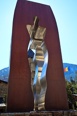 Andorra: Art & nice things. The historic center of Andorra la Vella: Barri antic (lutzmeyer) Tags: old winter sculpture art history politik photo foto image photos kunst picture skulptur 1993 escultura fotos fotografia altstadt regierung unten historia andorra staat imagen pyrenees pirineos pirineus kunstwerk pyrenäen hivern verfassung andorralavella imatge historiccentre casadelavall consellgeneral emiliarmengol andorracity elpui generalrat constitutioandorra lutzmeyer lutzlutzmeyercom
