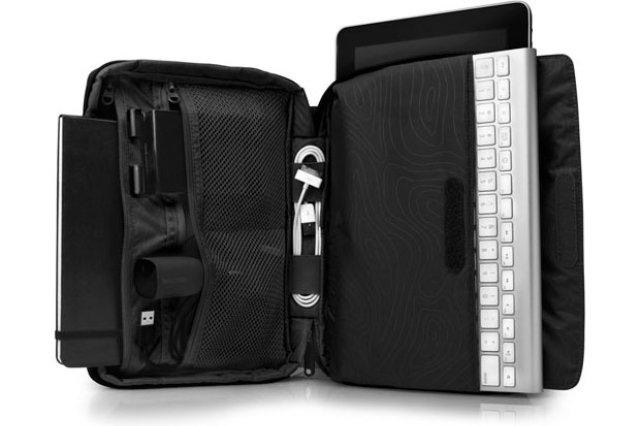 Incase-Travel-Kit-Plus-05