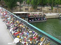 Ponte do amor eterno (rafaellaip) Tags: paris amor frana ponte cadeados