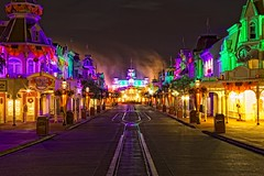 Main Street USA - The Lonely Busy Street (Matt Pasant) Tags: world pictures park county travel light walter vacation orange usa lake america canon wonder fun mouse photography bay orlando epcot florida photos pics magic dream parks wed elias images disney mickey resort fantasy vista imagine theme 5d wish wdw waltdisneyworld walt magical kissimmee magickingdom available waltdisney buena mainstreetusa imagineering reedycreek supershot canonef1635mmf28liiusm canoneos5dmarkii