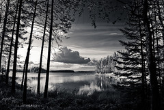 Hell's Lake National Park (neatmummy) Tags: summer bw white black nature suomi finland nationalpark nikon 1855 nikkor 2009 vr kansallispuisto d60 helvetinjrvi
