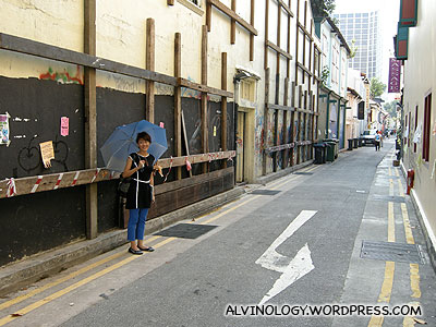 Crossing over to Haji lane - where the cool and stylish hang out