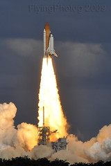 Space Shuttle Atlantis: STS-129 (Explored) (Flying Photog) Tags: interestingness nasa atlantis astronauts shuttle rocket kennedyspacecenter ksc launch spaceshuttle explored spaceshuttleatlantis nasatweetup