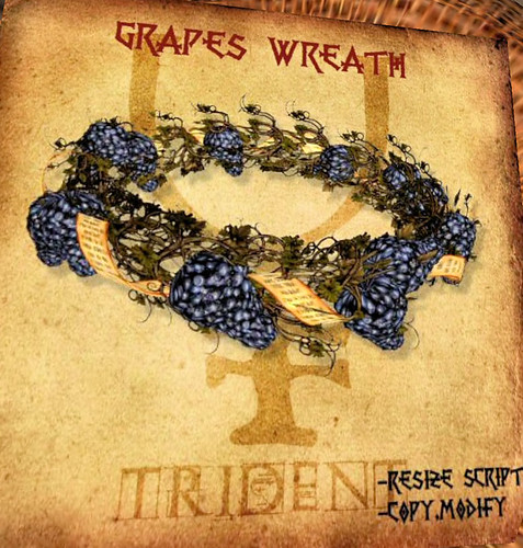 25L Tuesday Trident Grapes Wreath