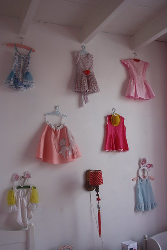 collection of vintage girls costumes por Poppelolli.
