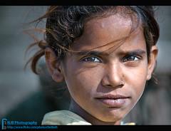 Flower Seller Girl (bnilesh) Tags: portrait india girl maheshwar