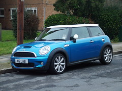 New Blue Mini (kenjonbro) Tags: blue white bmw bluewhite minicoopers 2007 newmini 1598cc