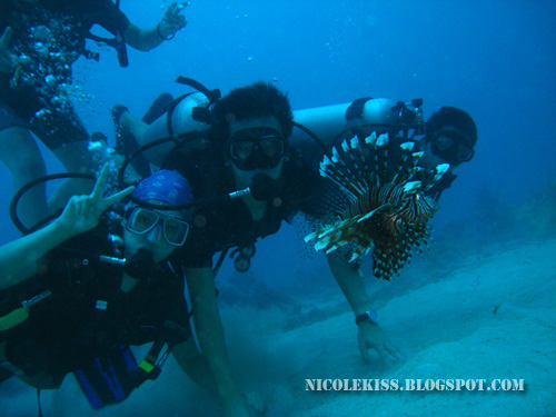 group photo with scorpion fish
