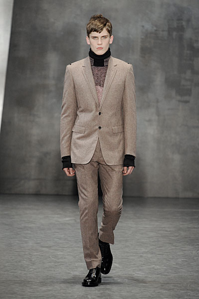 William Eustace3040_FW10_Paris_Cerruti(nikestav10@mh)