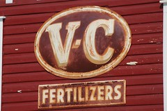 Florida, Stuart, V-C Fertilizers (22,301) (EC Leatherberry) Tags: sign florida agriculture us1 1895 fertilizers virginiacarolinachemicalcorp agriculturesign