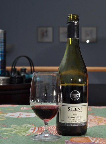 2009 Sileni Pinot Noir