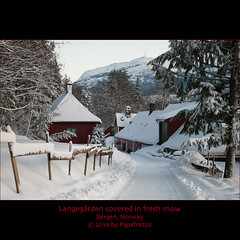 Langegrden covered in fresh snow - Bergen, Norway (Papafrezzo,  2007-2012 by www.papafrezzo.com) Tags: winter white snow farm bergen noorwegen johanlange langegrden johanlangesogsskendeslegat ginordicfeb12