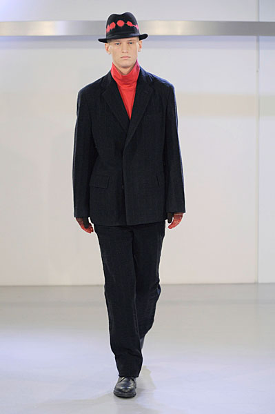 Alexander Johansson3038_FW10_Paris_Issey Miyake(curvaLL@mh)