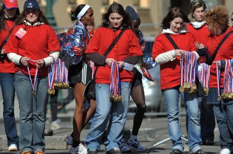 Maraton by bez nich nebyl. Proč je přehlížíme?