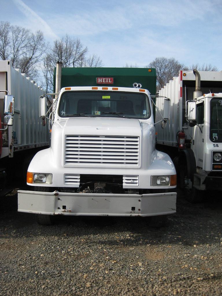 1999 international 32yd heil formula 5000 rel formerwmdriver tags trash yard truck