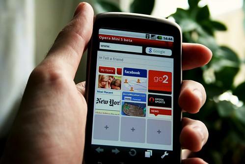 Internet en el móvil. Foto de Johan Larsson
