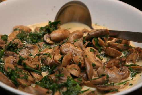 Mushrooms with herbs, Georgian style / Seened ürdikastmes, Gruusia stiilis