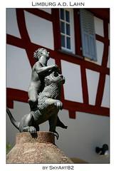 Limburg an der Lahn (Skyart82) Tags: old sculpture house germany hessen skulptur altstadt lahn halftimbered limburg fachwerk fachwerkhaus citie