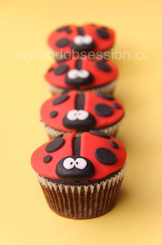 Ladybug & Bee Chocoholic Cupcakes