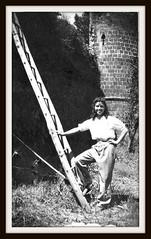 Nonna (MARCO_QUARANTOTTI) Tags: italy italia torre land oldphoto scala mura viterbo tuscania nonna maremma granmother agricoltura vecchiafotografia
