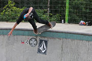 Ryan Sheckler – Backside Tail Slide