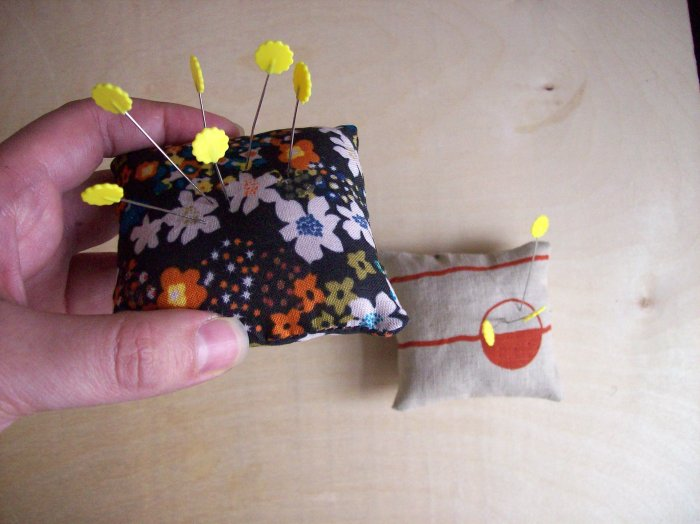 DIY-pillow pincushion