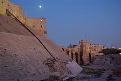 Blue hour in Aleppo (guido camici) Tags: moon pentax citadel sigma luna syria bluehour cittadella aleppo siria sigmalenses sigma1770f28 lorablu pentaxk10d camici guidocamici