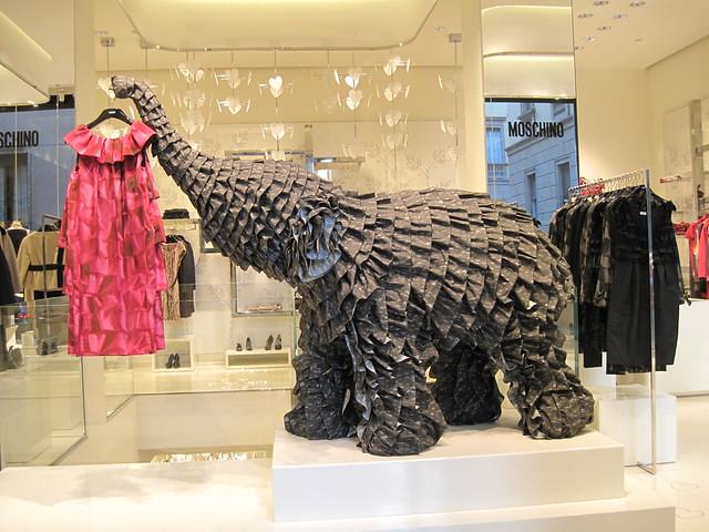 fashion tienda boutique negozio moschino luxury womenswear autumnwinter2009