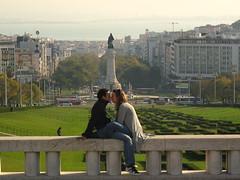 Amor no Parque (philljackcolombia) Tags: cidade people verde love portugal canon pessoas amor carinho beijo lisboa personas dois cario marquesdepombal g10