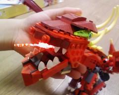 火を吹くレッドドラゴン