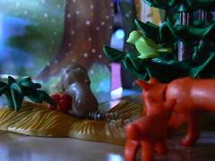 Playmobil - Wildfütterung im Winterwald (dierk schaefer) Tags: winter germany deutschland wald allemagne playmobil fuchs waschbär wildfütterung dierkschaefer