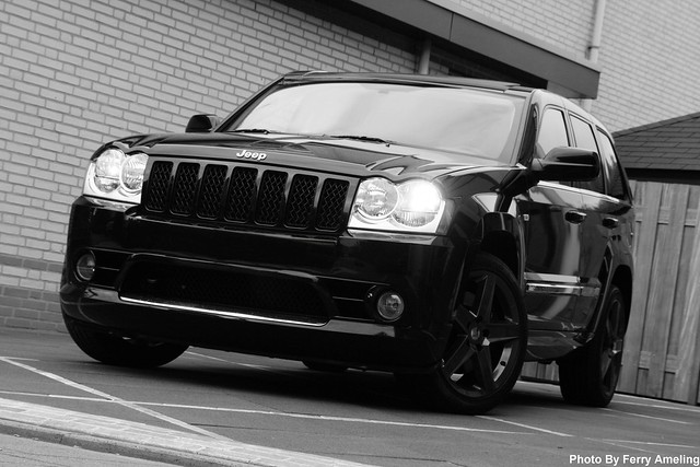 Jeep Grand Cherokee SRT-8 in Black and White