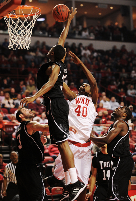 2010_02_06_mbball_v_troy_04