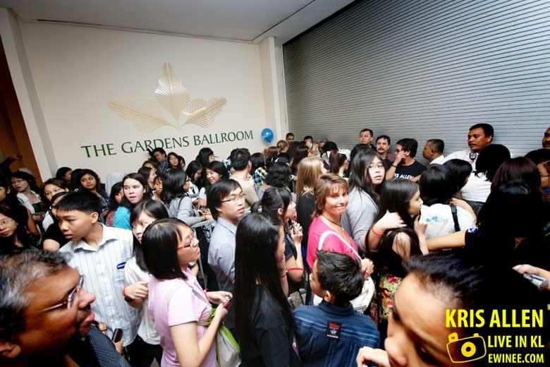 Gardens-Ballroom-Kris-Allen-entrance