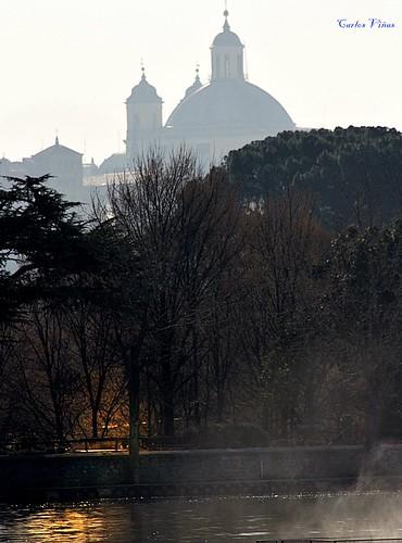Iglesia de San Francisco el Grande desde el Lago de la Casa de Campo. Madrid