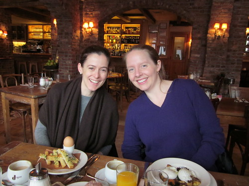 Amanda & Merrill, breakfast at Morandi