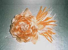 flor ouro (Bella Flores e Chapus) Tags: flowers wedding flores casamento tecido arranjos noivas acessriosdefesta