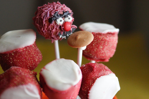 animal drums cake pops